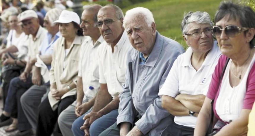 Jubilados y pensionados provinciales percibirán el aumento en noviembre