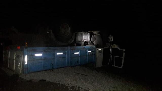 Federal : Dos camiones con acoplado volcaron en la ruta