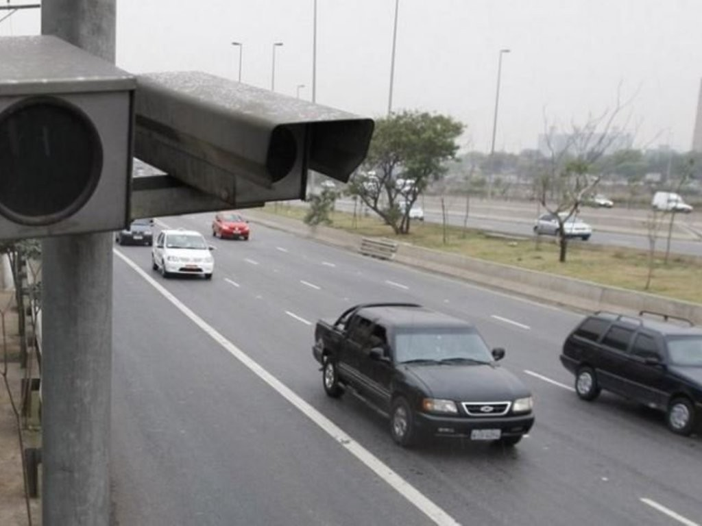 ¿Hay que pagar las multas de las rutas provinciales?