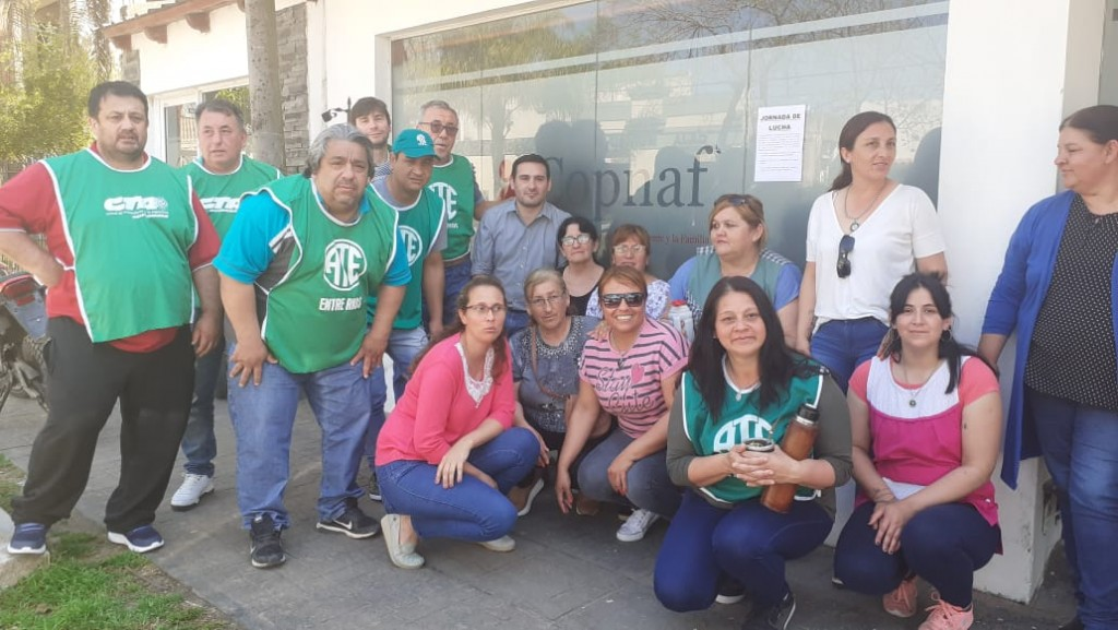 Trabajadores del Copnaf en Federal en asamblea por reclamos laborales .