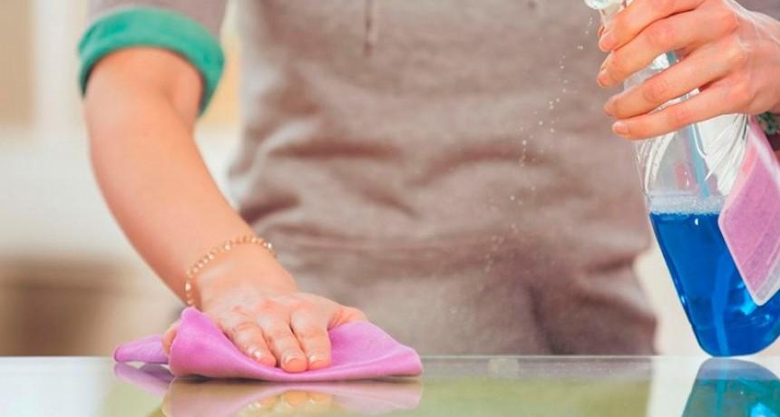 Trabajadoras de casas particulares cobrarán un bono: Cuándo y de cuánto será