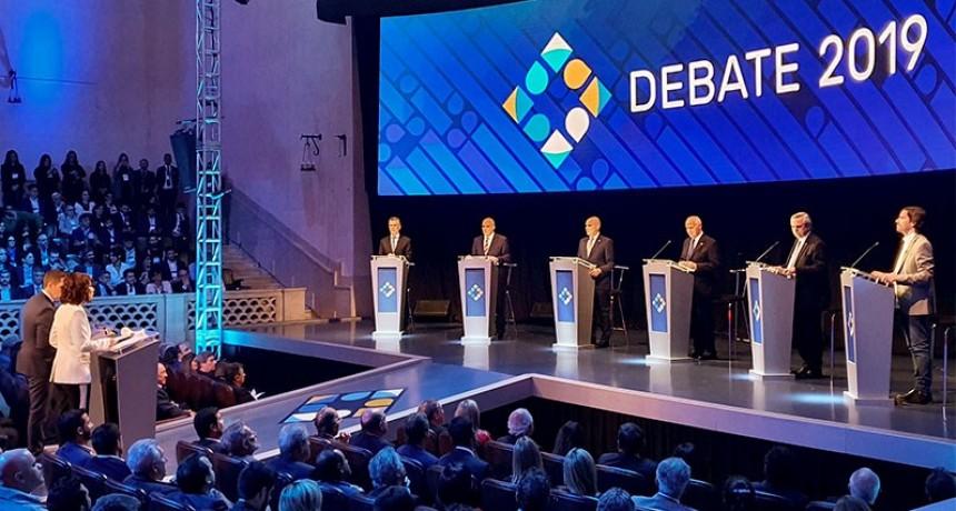 Con cruces entre Macri y Fernández, debatieron los seis candidatos en Santa Fe