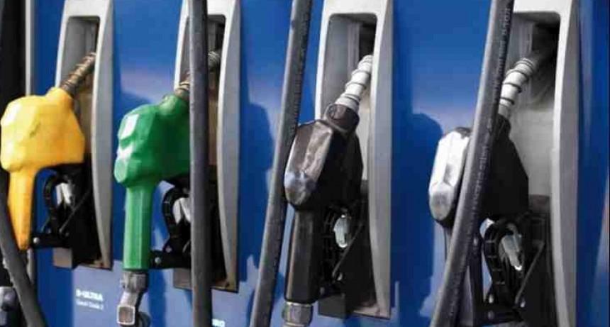 A un mes del fin de mandato, Macri autorizaría un nuevo aumento de las naftas