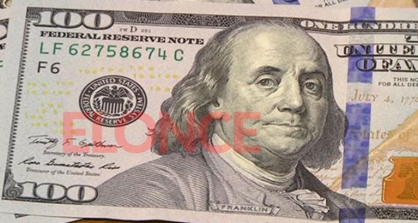 Dólar escaló a $65 pese a la intervención oficial: El blue se disparó sobre $75