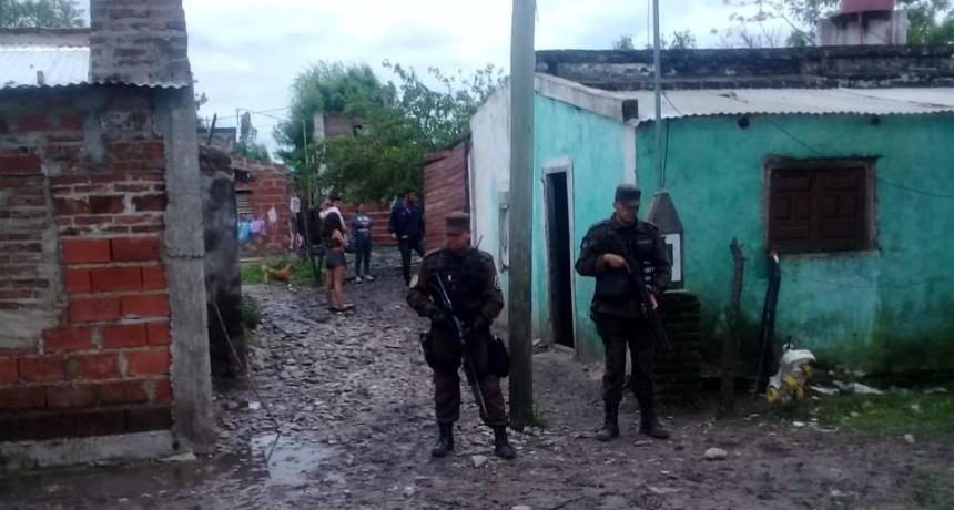 Tras allanamiento detienen a una persona en Barrio Salto