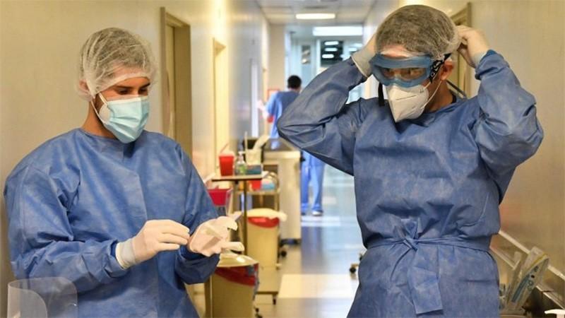 Confirmaron 423 muertes y 18.326 nuevos contagios de covid-19 en Argentina