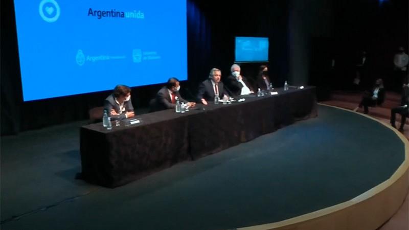 Fernández anunció que las restricciones seguirán en ocho provincias y el AMBA