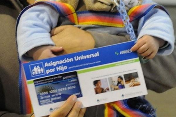 Postergan requisitos de escolaridad y salud para cobrar 20 por ciento de la AUH