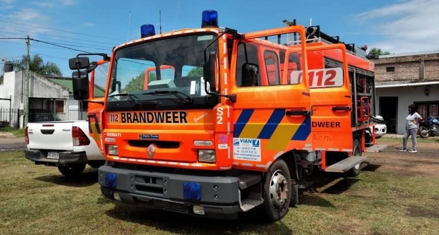Llegó una nueva autobomba para el cuartel de bomberos