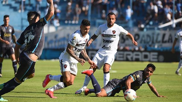 Patronato igualó con Atlético Tucumán 2 a 2 y se trajo un punto de visitante