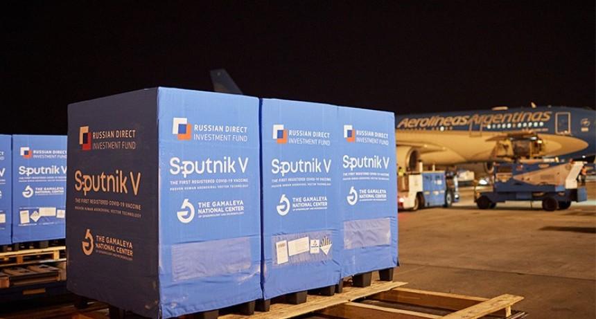 Llegaron 500 mil dosis del segundo componente de la vacuna Sputnik V