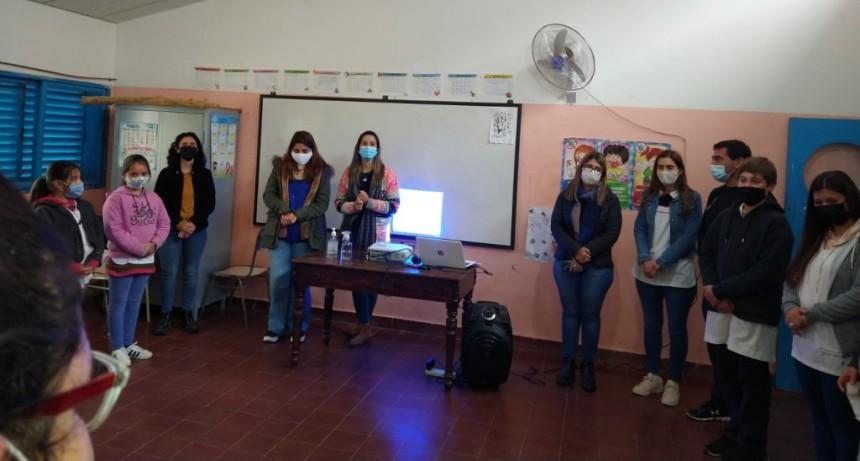 Personal del CGE y del Ministerio de Desarrollo Social visitaron la Escuela N 49