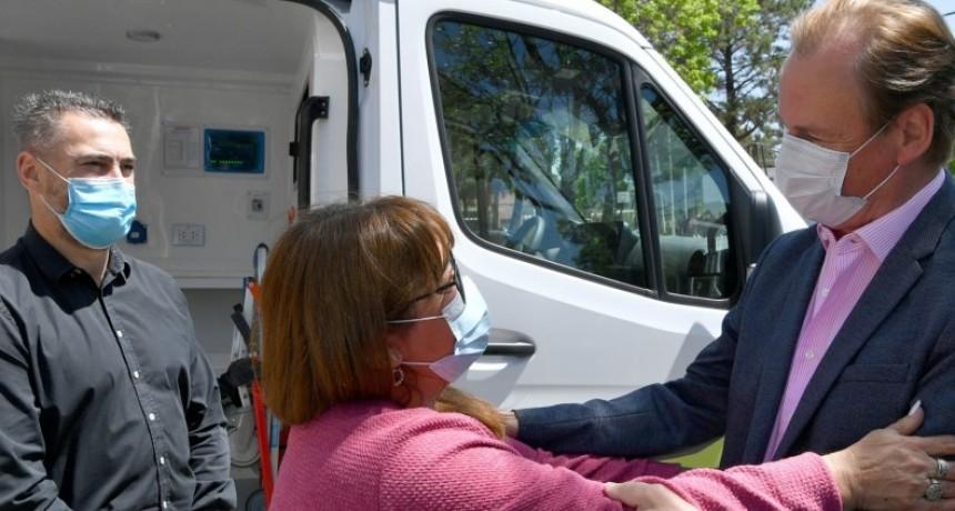 En Federal Bordet entregó más ambulancias para sumar al sistema de salud pública de la provincia