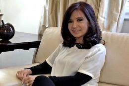 La presidenta Cristina sigue internada y en recuperación