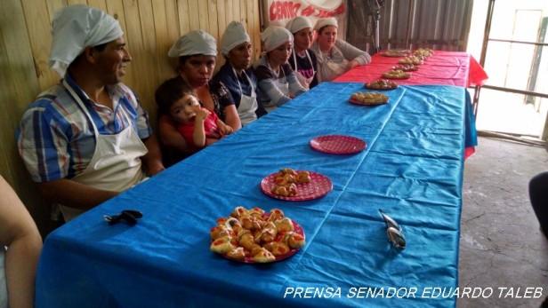 El ministerio de la Producción dicto una Capacitación en Panadería en Federal