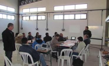 Entrega de elementos de la Fundación Nueva BERSA en escuela de Concordia