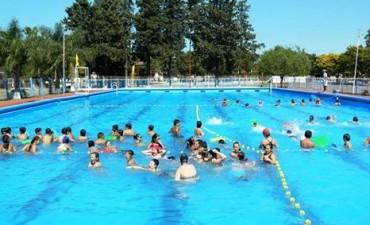 Inscripción para la temporada de verano en el Complejo Polideportivo municipal