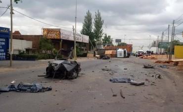 Tres muertos en Quilmes por un choque entre un camión y un auto
