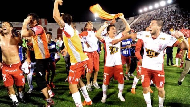 Huracán eliminó a River y es finalista de la Copa Sudamericana