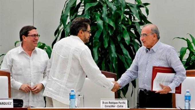 El gobierno de Colombia y las FARC anunciaron un nuevo acuerdo de paz