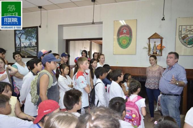 Alumnos y Docentes de la Escuela Primaria N 4 visitaron las dependencias municipales