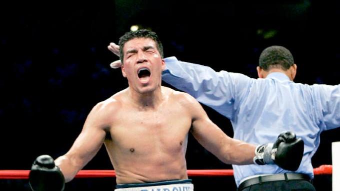Ex campeón mundial de boxeo fue detenido por supuesto abuso sexual a su hija