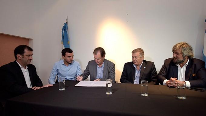 En qué consiste el acuerdo para mejorar las comunicaciones móviles en Entre Ríos