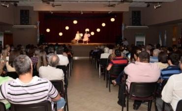 Viernes de Teatro en el Centro Cultural.