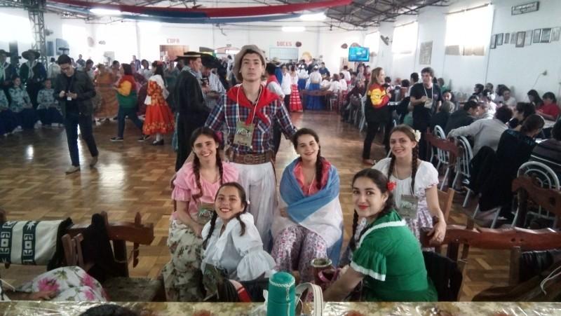 Delegación Cultural de Federal en representación internacional
