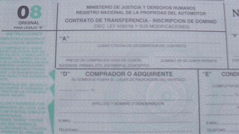 Oficializaron el 20 % de descuento para las transferencias de autos y motos