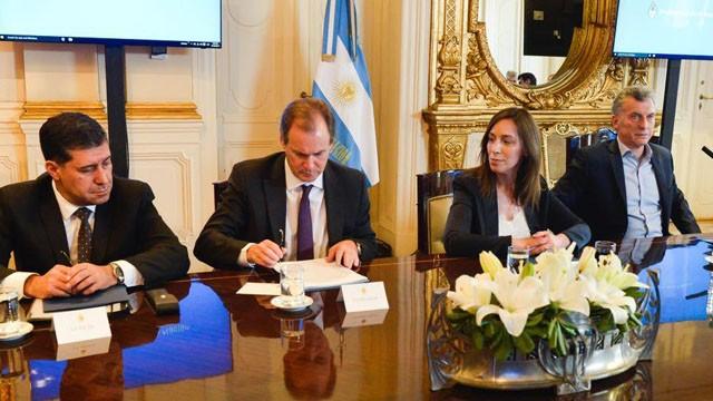 Los detalles del acuerdo que firmó Bordet con Macri