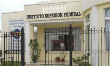 Para el Instituto Superior de Educación de Federal E 235