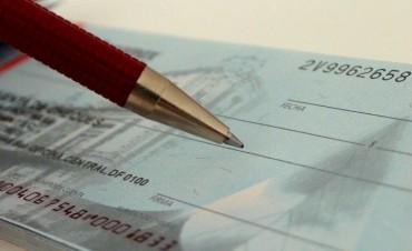 Los cheques rechazados crecieron 59% y la morosidad aumentó 35%