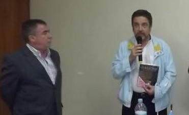 Concejales declararon de interés municipal y cultural la presentación del libro ¨Combatimos¨.