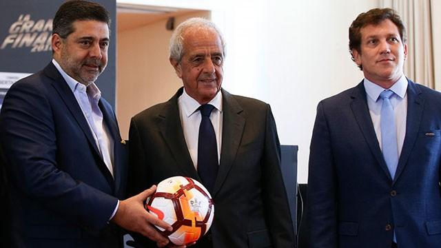 Boca-River: Domínguez, D'Onofrio y Angelici definirán el martes cuándo se juega la final