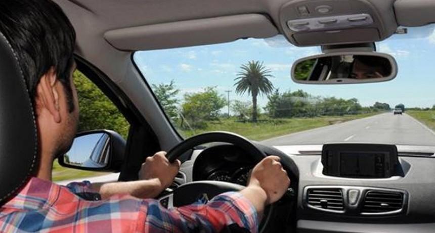 El gobierno publicó guía para ahorrar hasta 30% de combustibles al usar el auto