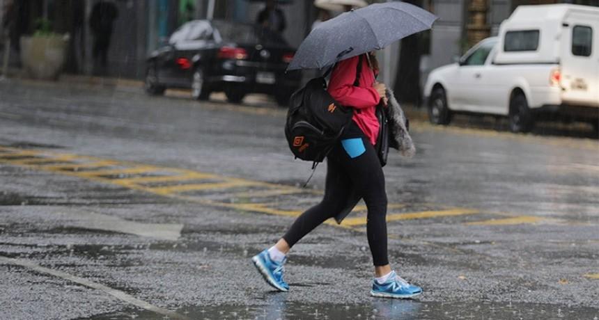 Alertan que las lluvias podrían prolongarse hasta el martes en Entre Ríos