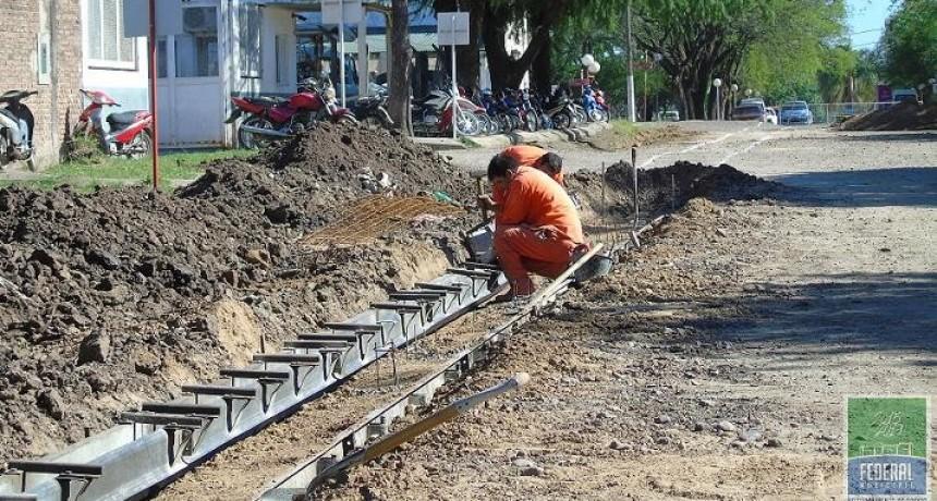 Continúan obras de cordón cuneta con fondos de CASFEG en Federal