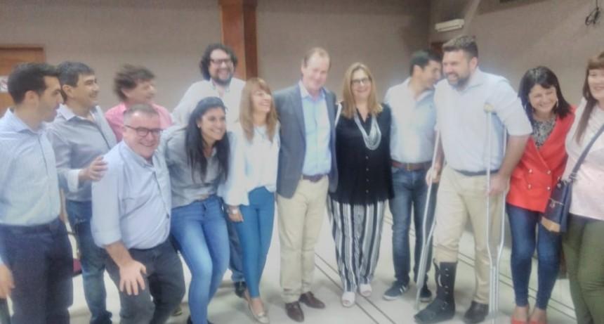 En su visita a Federal el Gobernador Gustavo Bordet entrego aportes y participo de la Fiesta del Cuchillero
