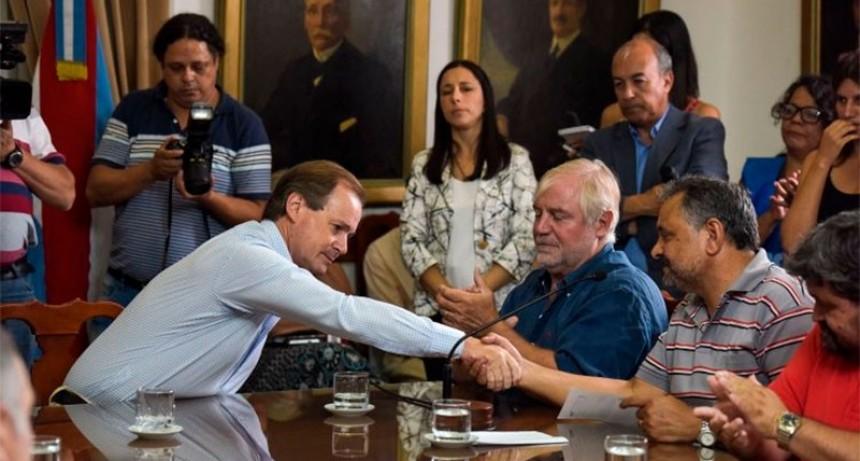 Reapertura de paritarias: Gobierno y gremios estatales se reúnen este martes