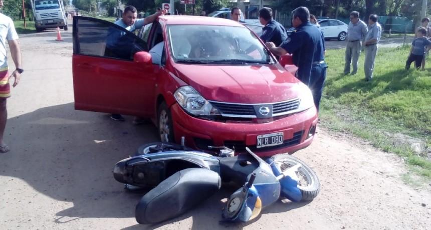 Nuevo choque entre una moto y un automóvil