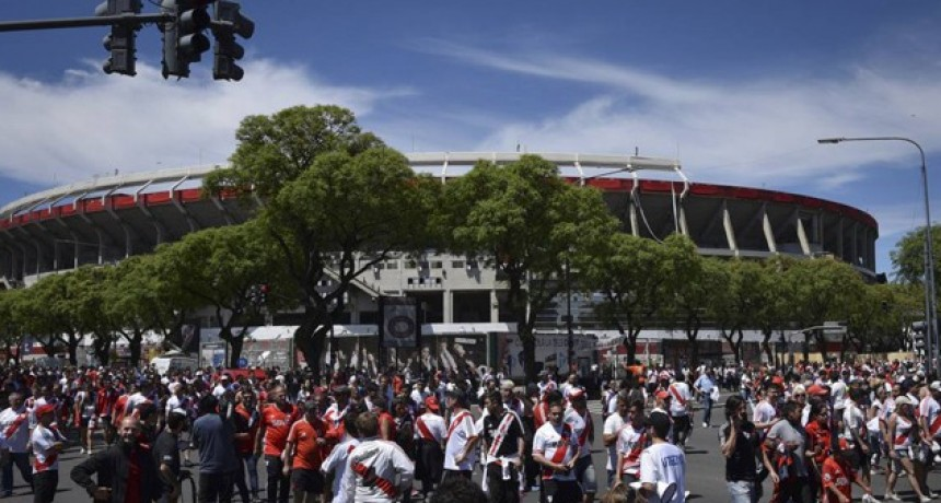 Se dio conocer la sanción a River por los incidentes en el Monumental
