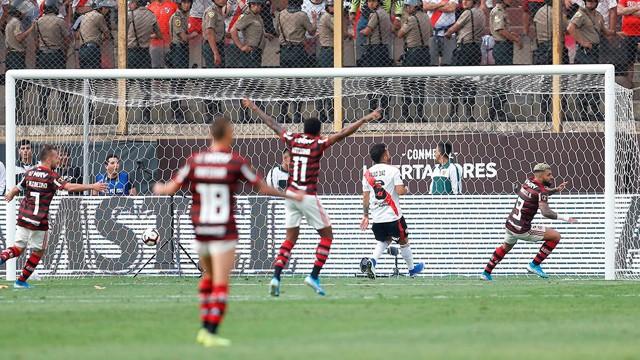En una increíble final, Flamengo le arrebató la Copa Libertadores a River en Lima