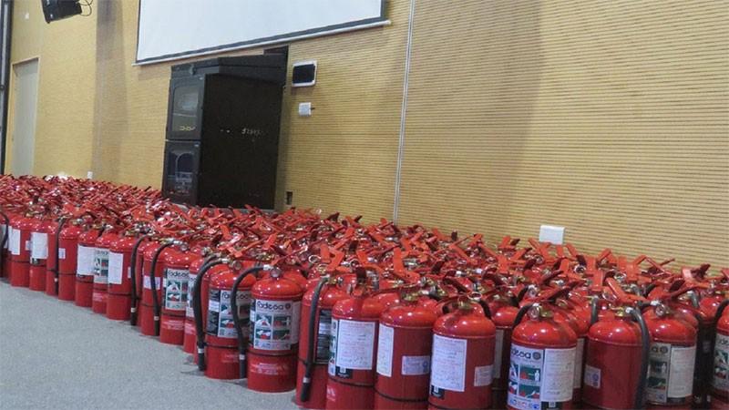 Por primera vez, todas las escuelas cuentan con extintores requeridos por norma