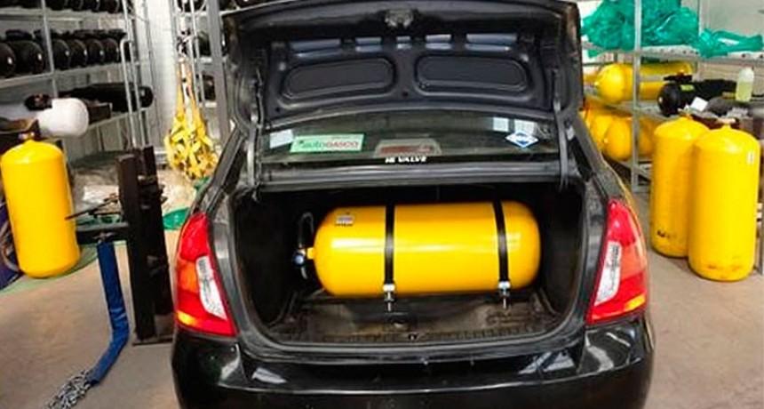 Estiman que crecerá la conversión de autos a GNC por el aumento de la nafta