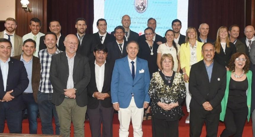 Se reconoció con el premio José Benjamín Zubiaur a profesores de Educación Física. El destacado por Federal Horacio Alfredo Martinez
