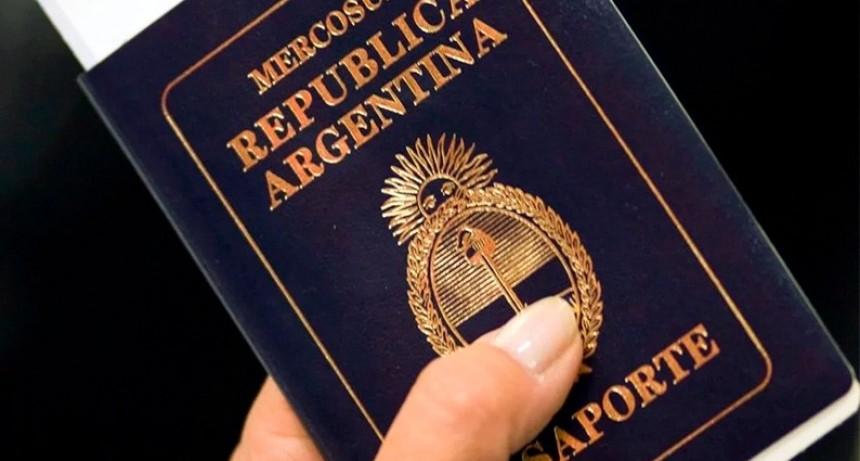 Cambios en el pasaporte: Los extranjeros podrán sacarlo si están nacionalizados