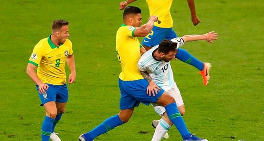 Con la vuelta de Messi, la Selección enfrentará a Brasil y Uruguay: Días, hora y TV