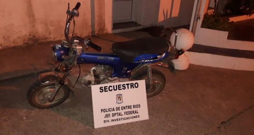 Sustraen  una moto en un domicilio de calle Arienti entre Colateral A. Almada y Belgrano.