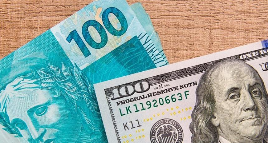 Cómo impacta en la Argentina la devaluación del real: Turismo e importaciones